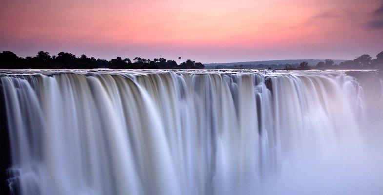 Main Falls on the Zimbabwe side