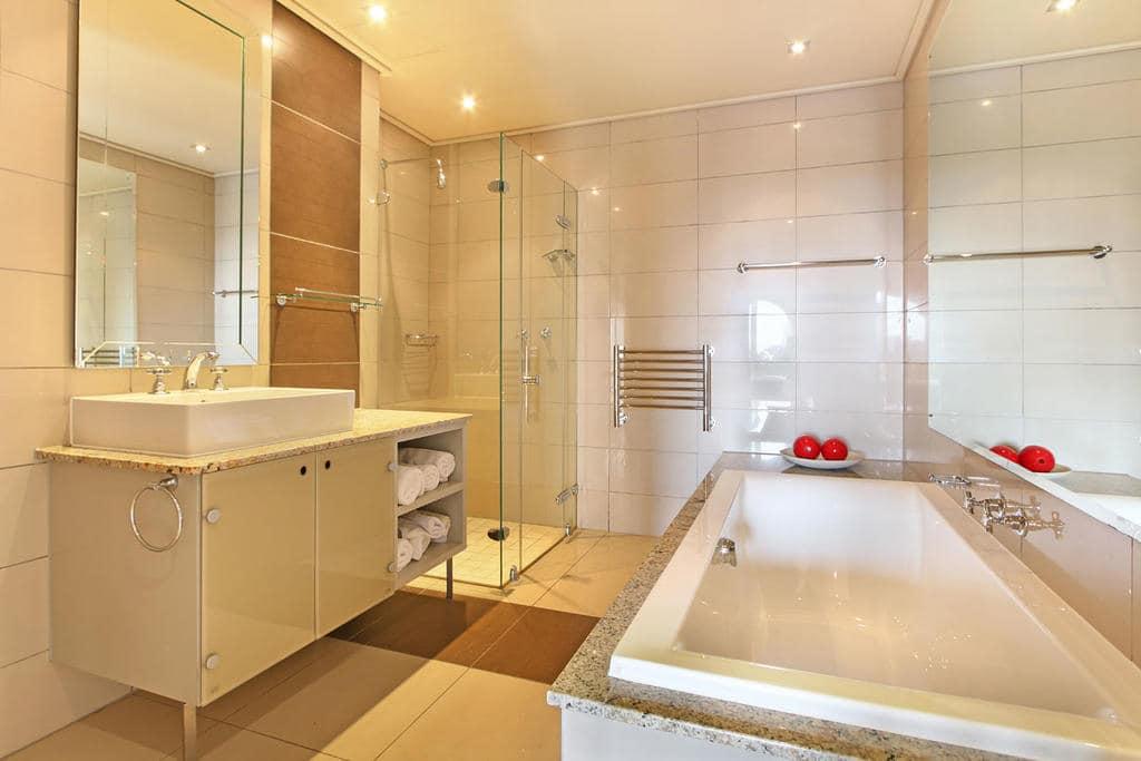En Suite Bathroom South Africa: Cape Royale Hotel Lodges & Luxury Accommodation